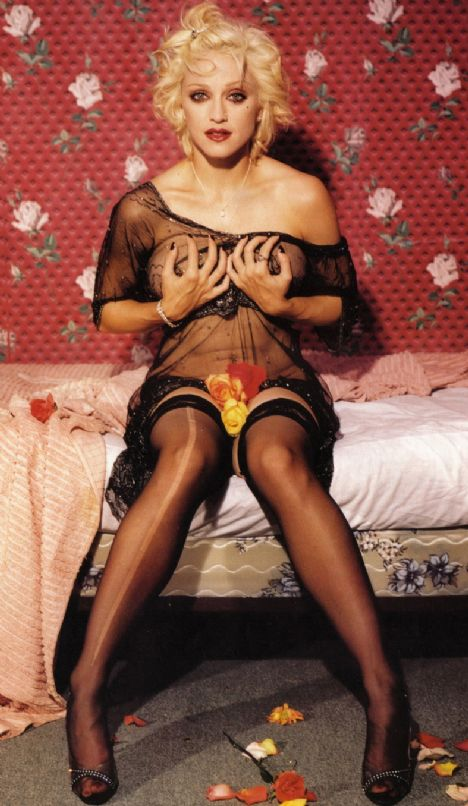 """Madonna """"Bir kadına göre fazla kaslı"""""""